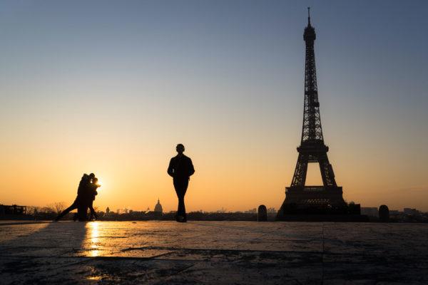 Tour eiffel depuis le trocadéro au petit matin, Paris, France