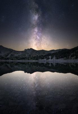 Reflfet de voie lactée au lac d'Allos
